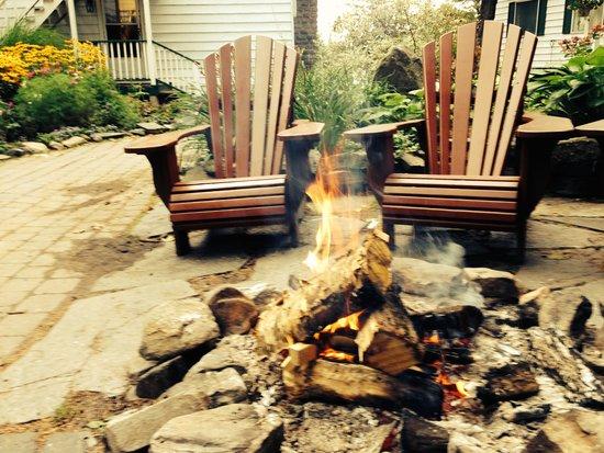 Sherwood Inn: bonfire by the front door