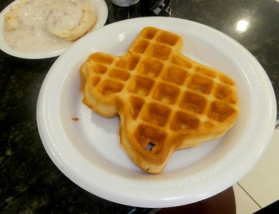 Microtel Inn & Suites by Wyndham Ft. Worth North/At Fossil Creek: Texas-sized waffle from breakfast