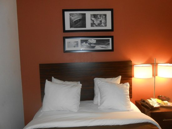 Sleep Inn JFK Airport Rockaway Blvd: Letto