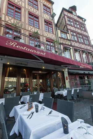 le maupassant rouen restaurant reviews phone number photos tripadvisor. Black Bedroom Furniture Sets. Home Design Ideas