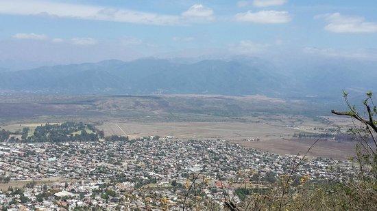 Virgen de los Tres Cerritos: Vistas a la ciudad de Salta