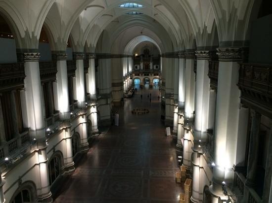 Museo Sueco de Historia Natural: a view of the amazing interior.
