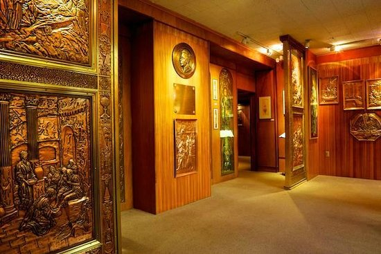 Albert Gilles Copper Art & Museum