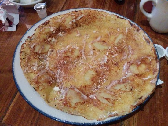 Amsterdam: The Early Bird Special - Apple Cinnamon Pannenkoek (crepe)