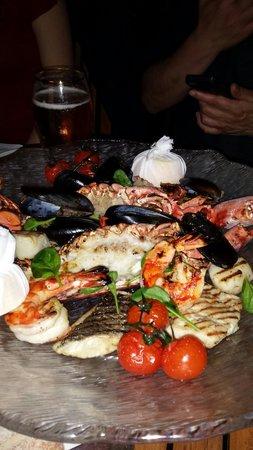 Traiteur: Nice tasteful seafood platter