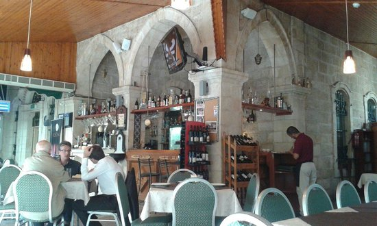 Azzahra Restaurant: Bar del restaurante