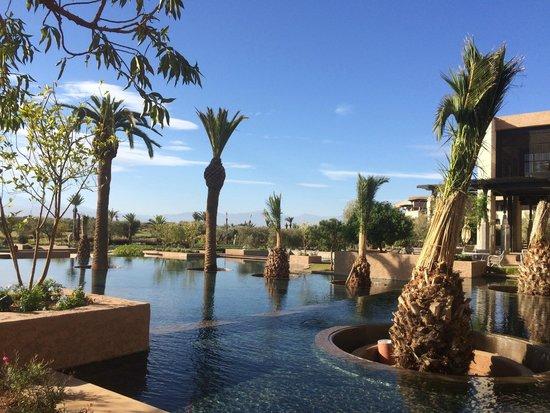 Royal Palm Beachcomber Luxury Marrakech: vu du petit déjeuner extérieur