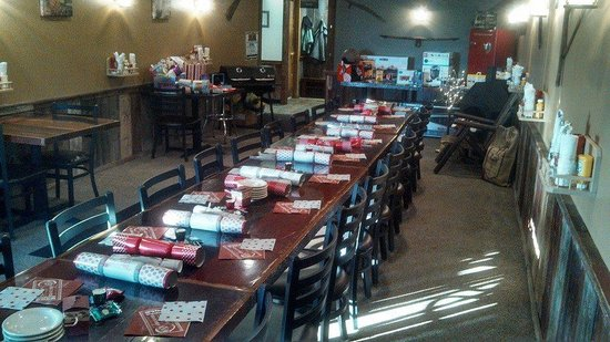 Barn Board Grill & Saloon: Decorated Banquet Room