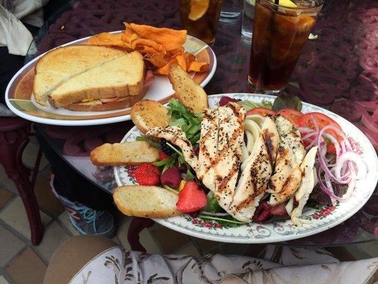 The Heartline Cafe: Sedona Salad is a tasty treat