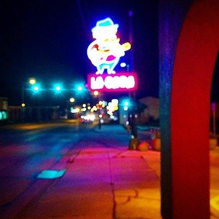 La Casa Pizzeria: Pretty Lights.