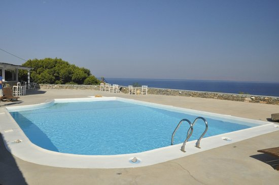 Pino di Loto Boutique Bed and Breakfast : Pool and VIEW!