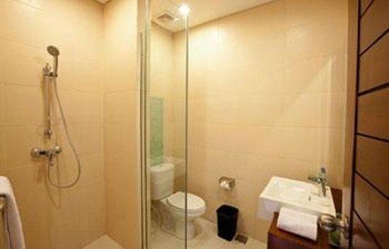 Uma Sri Bali Hotel: sanitasi yang terjaga di kamar mandi