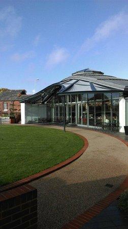 Hotel du Vin Exeter: Restaurant/breakfast room from outside