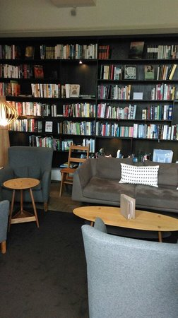 Hotel du Vin Exeter: Library