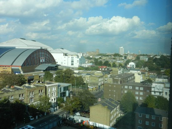 Ibis London Earls Court : a view from a top floor room