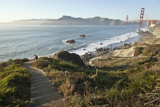 Presidio of San Francisco: Batteries to Bluffs Trail