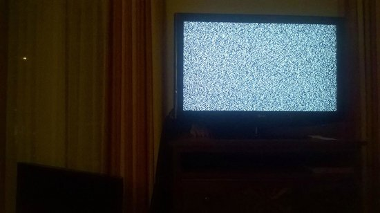 Homewood Suites by Hilton La Quinta: Broken TV