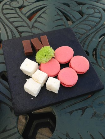 The Conservatory : The heavenly petit fours.