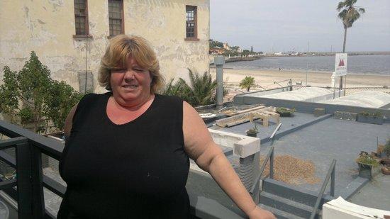 Hosteria Miramar : en el balcon