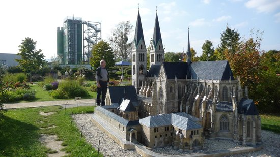 model of local gothic cathedral picture of miniaturenpark kleiner harz im burgerpark. Black Bedroom Furniture Sets. Home Design Ideas