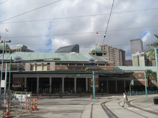 Harrah's Casino New Orleans: View from trolley stop