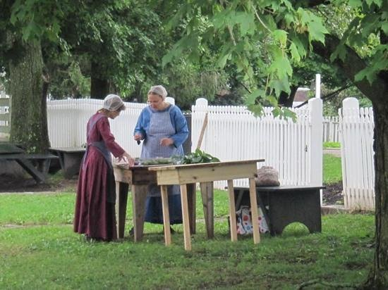 Shaker Village of Pleasant Hill : Ladies with mulberry leaves and silkworms