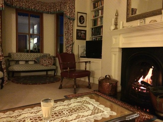 Fergus View: Lovely living room with the fire place