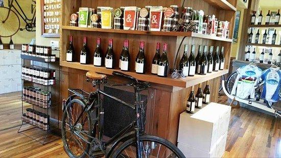Clif Family Tasting Room: Velo Vino