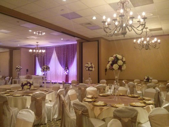 Sheraton Pasadena: One of their ballrooms