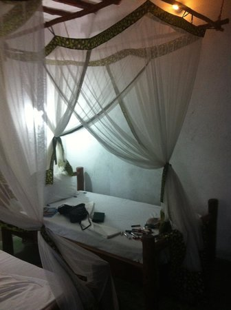Upepo Boutique Beach Bungalows: bed (2 in room)