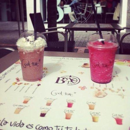 La Brujula Café