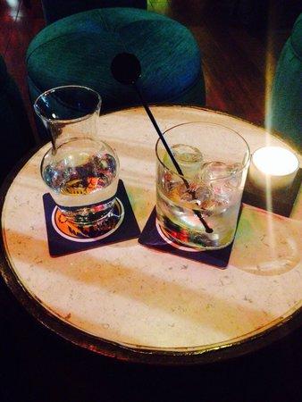 Ananda Restaurant: Bombay gin & tonic