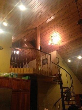 Door County Cottages: The Lodge loft