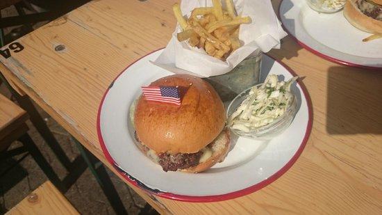 The Hamburger Foundation : Cheeseburger