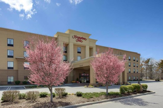 Hampton Inn Garden City: Exterior