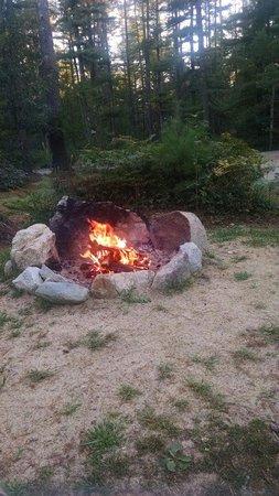 Pinewood Lodge Campground: Beautiful Fire!