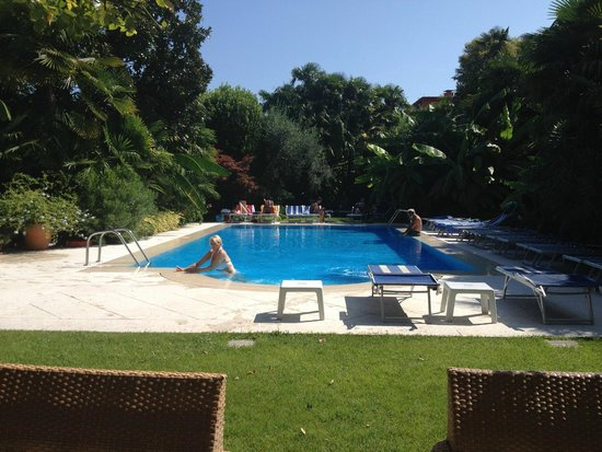 Hotel 4 Stagioni: Pool area