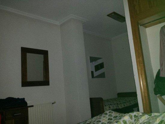 Hotel Manolo: Habitacion