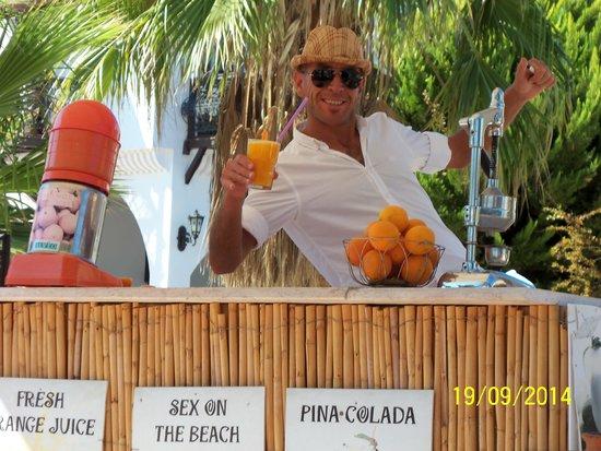 Bitez Han beach bar and resteraunt: David (Dai )