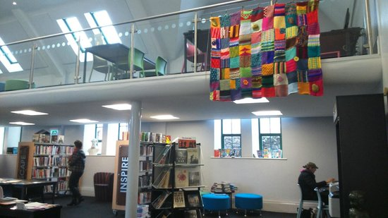 Holywood Library: Spacious Interior