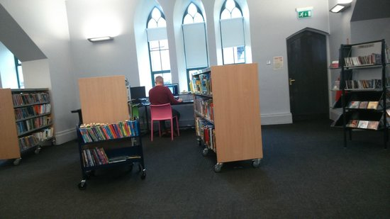 Holywood Library: Internet Access free to Members