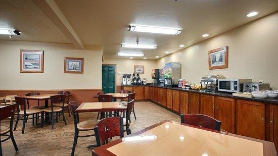 Best Western Plus Spirit Mountain Duluth: Breakfast Area