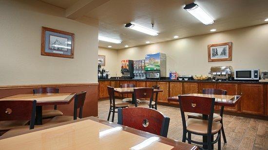 BEST WESTERN PLUS Spirit Mountain Duluth : Breakfast Area