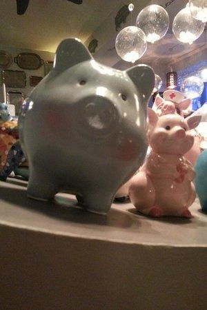 le cochon bleu : Un cochon bleu !