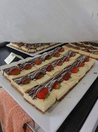 Knitsley Farm Shop Cafe and Granary Cafe: mini cheesecakes