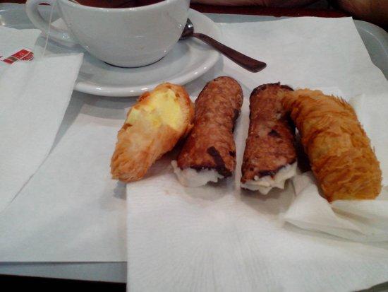 Ristorante Self- Service L'Orologio: кафешные печенюшки - невкусные