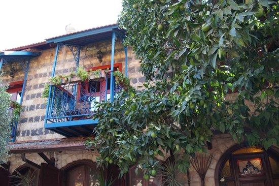 Villa Tehila: An upstairs balcony
