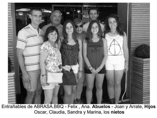 Abrasa BBQ SteakHouse: Gracias familia por su visita! siempre bienvenidos!