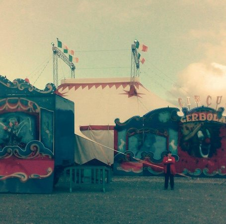 Lucan, Ireland: Circus Gerbola in Leopardstown