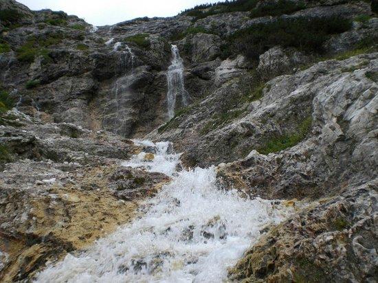 Провинция Беллуно, Италия: Cascata lungo il percorso rifugio Alberti - Valgrande